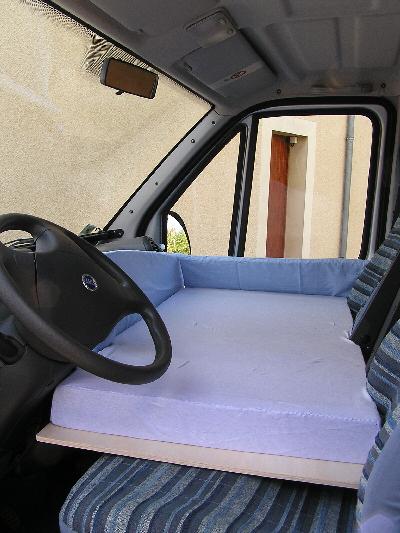 lit cabine camping car. Black Bedroom Furniture Sets. Home Design Ideas